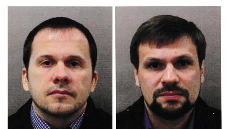 Les portraits des deux suspects ont été diffusés par la police britannique