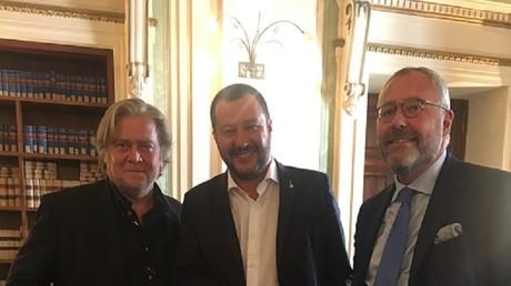 Steve Bannon, Matteo Salvini et Mischaël Modrikamen le 7 septembre 2018 à Rome.