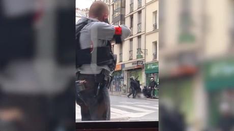 Paris : les images impressionnantes de l'arrestation d'un suspect parlant de djihad (VIDEO)