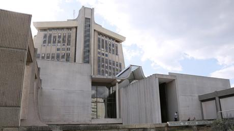 Amiante au tribunal de Créteil : choc après la mort d'une juge (REPORTAGE)