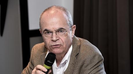 Le gynécologue  et président du Syndicat national des gynécologues et obstétriciens de France Bertrand de Rochambeau en février 2016 à une conférence de presse à Paris.