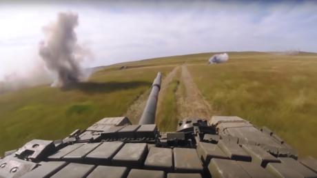 Vostok 2018 : les images impressionnantes des caméras embarquées sur les chars (VIDEO)
