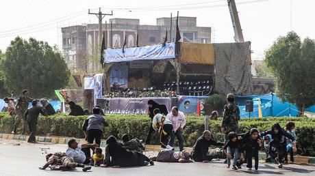 Scène de panique après l'attentat à Ahvaz, en Iran, le 22 septembre 2018.