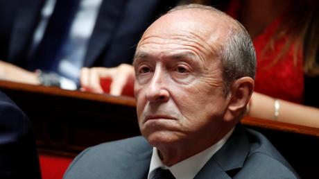 Les policiers n'ont pas de «couilles» selon Yann Moix, Gérard Collomb porte plainte