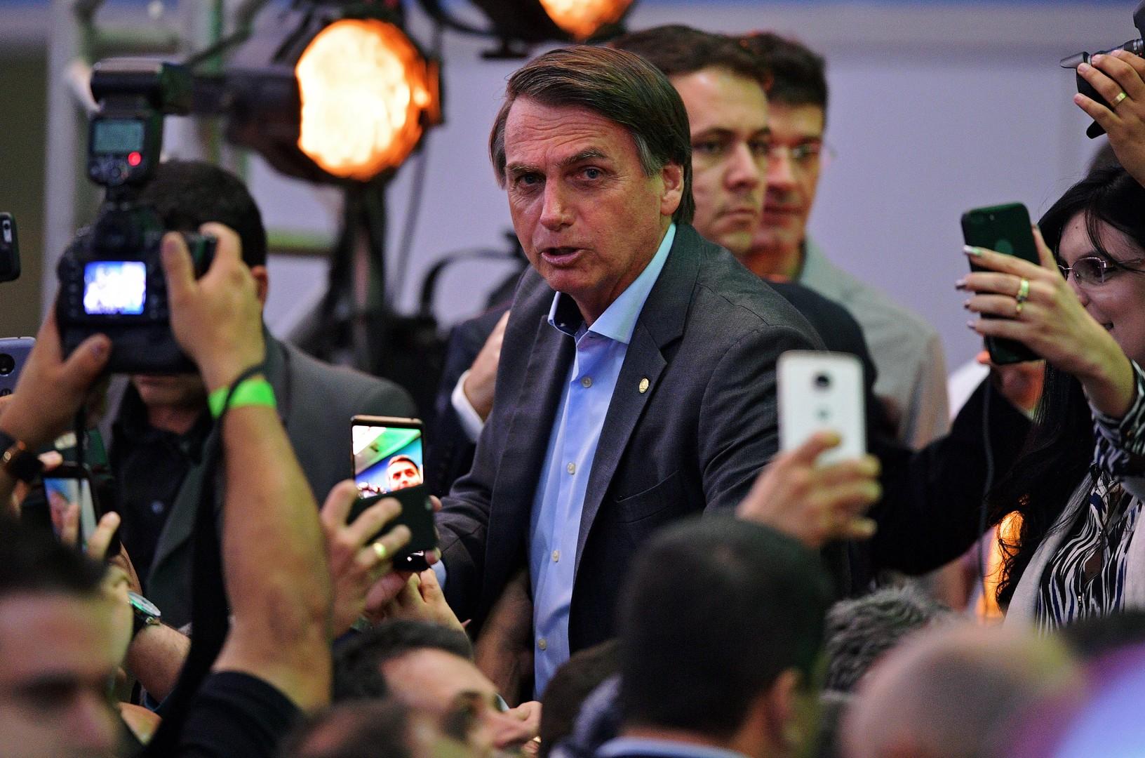 Présidentielle brésilienne : au-delà des polémiques, que propose le nationaliste Bolsonaro ?