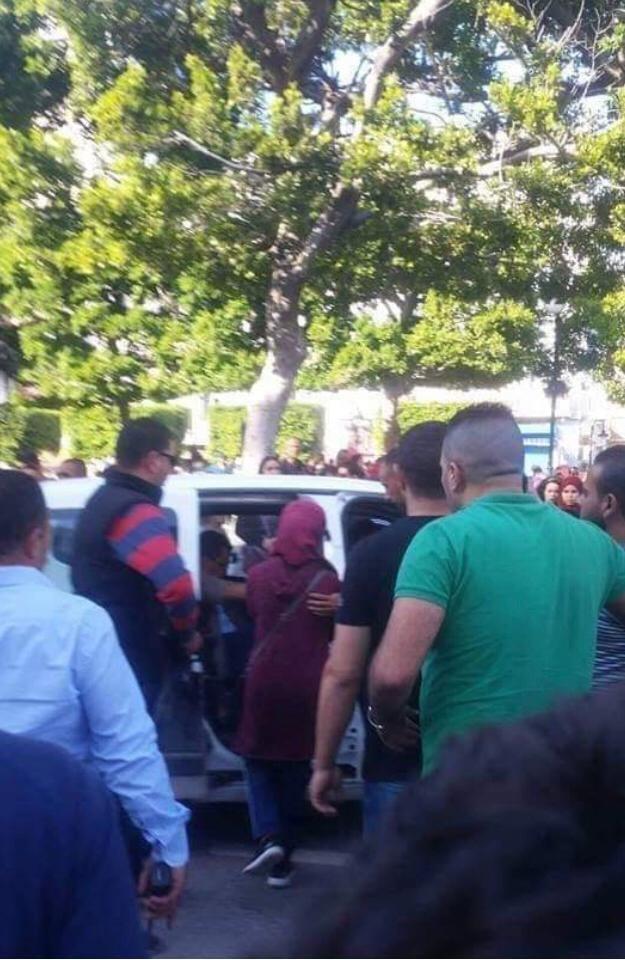Tunis : une femme s'est fait exploser près de voitures de police, 20 blessés