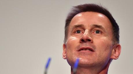 Le ministre britannique des Affaires étrangères Jeremy Hunt prononce un discours lors du congrès du Parti conservateur au Centre international des congrès de Birmingham, le 30 septembre 2018.