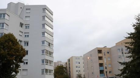 L'immeuble du quartier du Moulin à Creil dans lequel se cachait le braqueur multi-récidiviste Rédoine Faïd, en cavale depuis trois mois.
