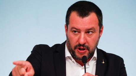 «Je parle avec des personnes sobres» : Salvini tacle violemment Juncker