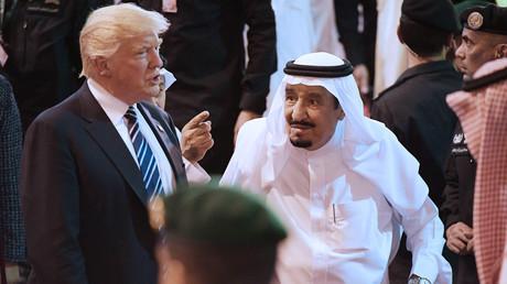 «Vous ne resteriez pas au pouvoir deux semaines sans notre soutien» : Trump prévient le roi Salmane