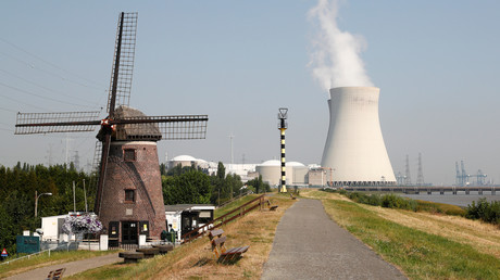 La centrale nucléaire Doel d'Electrabel à Doel près d'Anvers, en Belgique, le 26 juillet 2018.