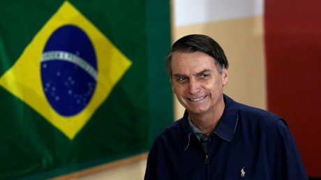 Jair Bolsonaro, votant au premier tour de la présidentielle brésilienne, le 7 octobre 2018.