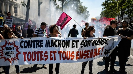 Lycéens, étudiants, salariés et retraités manifestent contre la «destruction du modèle social»