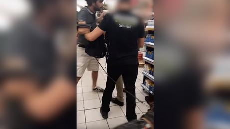 Un malvoyant expulsé d'un supermarché à Marseille à cause de son chien-guide (VIDEO)