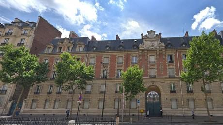 Un nouveau centre pour migrants ouvert dans le XVIe arrondissement de Paris déclenche une polémique