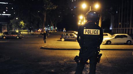 La Courneuve : un homme grièvement poignardé au cou par un individu criant «Allah Akbar»