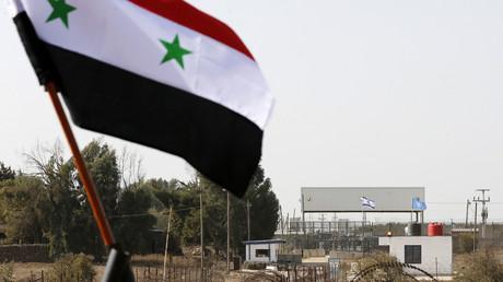 Quneitra, le seul point de passage entre la Syrie et le territoire sous contrôle israélien a rouvert le 15 octobre 2018.  Deux jeeps blanches des Nations unies ont pénétré dans le territoire sous contrôle israélien.