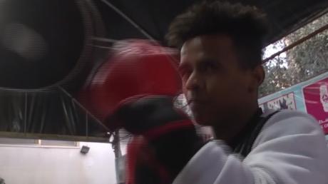 Palestine : ce boxeur a eu les jambes brisées, mais pas ses rêves