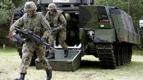 Des soldats effectuent un exercice avec le véhicule de combat d'infanterie Puma, à Munster en Allemagne (image d'illustration).