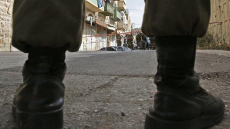 Muni d'une arme à feu et d'une hache, un soldat israélien attaque des habitants à Fassouta