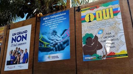Affiches de campagne avant le référendum néo-calédonien.