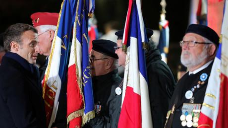 Emmanuel Macron rencontre des anciens combattants le 7 novembre 2018.