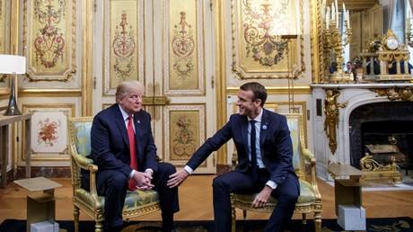 Le président américain Donald Trump et le président français Emmanuel Macron à l'Elysée, à Paris, le 10 novembre 2018. Une rencontre en marge des commémorations marquant le 100e anniversaire de l'armistice du 11 novembre 1918, mettant ainsi fin à la Première guerre mondiale.