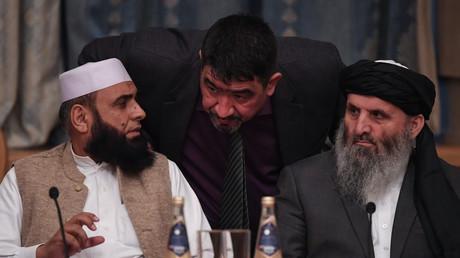 Des représentants des Taliban participent à une rencontre internationale sur l'Afghanistan tenue à Moscou, le 9 novembre 2018.