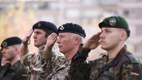 Soldats de l'Otan lors d'une cérémonie à Pristina le 11 novembre 2018.