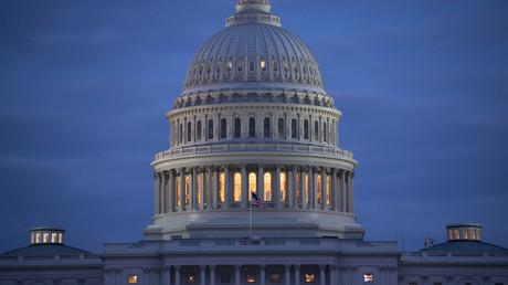 Vue du bâtiment du Capitole qui abrite les deux chambres du Congrès, le Parlement américain, à Washington aux Etats-Unis (image d'illustration).