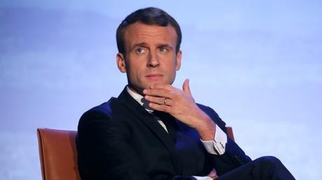 Le président français Emmanuel Macron participe à la séance d'ouverture du Forum sur la gouvernance de l'Internet (FGI) au siège de l'UNESCO à Paris, le 12 novembre 2018.