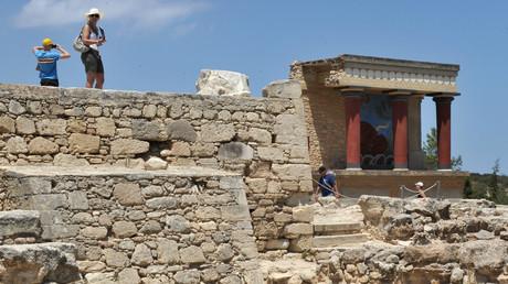 Le palais de Cnossos (Crète) est à vendre.