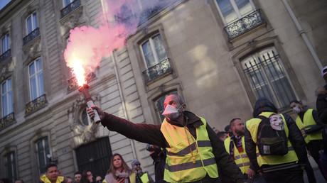 «Gilets jaunes» : que retenir de cette première journée de mobilisation ? (PHOTOS, VIDEOS)