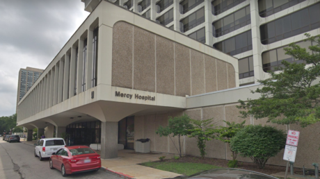 Etats-Unis : quatre morts dont un policier dans une fusillade près d'un hôpital à Chicago