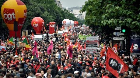 Des manifestants protestent contre la Loi travail portée par Myriam El Khomri, le 28 juin 2016 à Paris (image d'illustration).