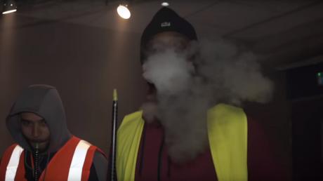 Chichas et «Macron, démission !» : un clip d'afrobeat sur les Gilets jaunes fait le buzz (VIDEO)