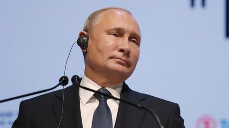 Tensions avec l'Ukraine : Vladimir Poutine appelle Berlin à faire pression sur Kiev