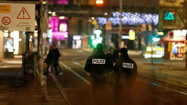 Coups de feu à Strasbourg: 11 blessés, deux morts, le tireur cerné par les forces de l'ordre