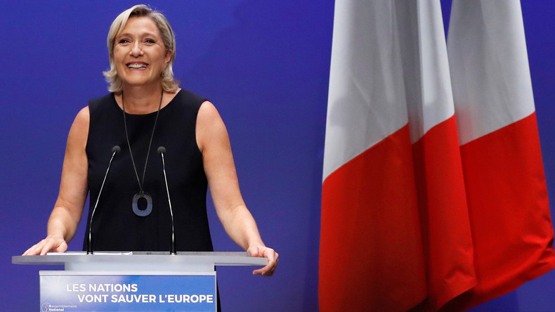 Marine Le Pen, seule personnalité politique dont la cote de popularité augmente