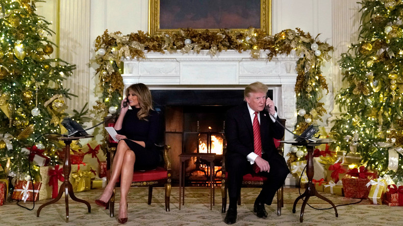 """""""Weird at your age!"""": Trump mocks a child who still believes in Santa (VIDEO)"""