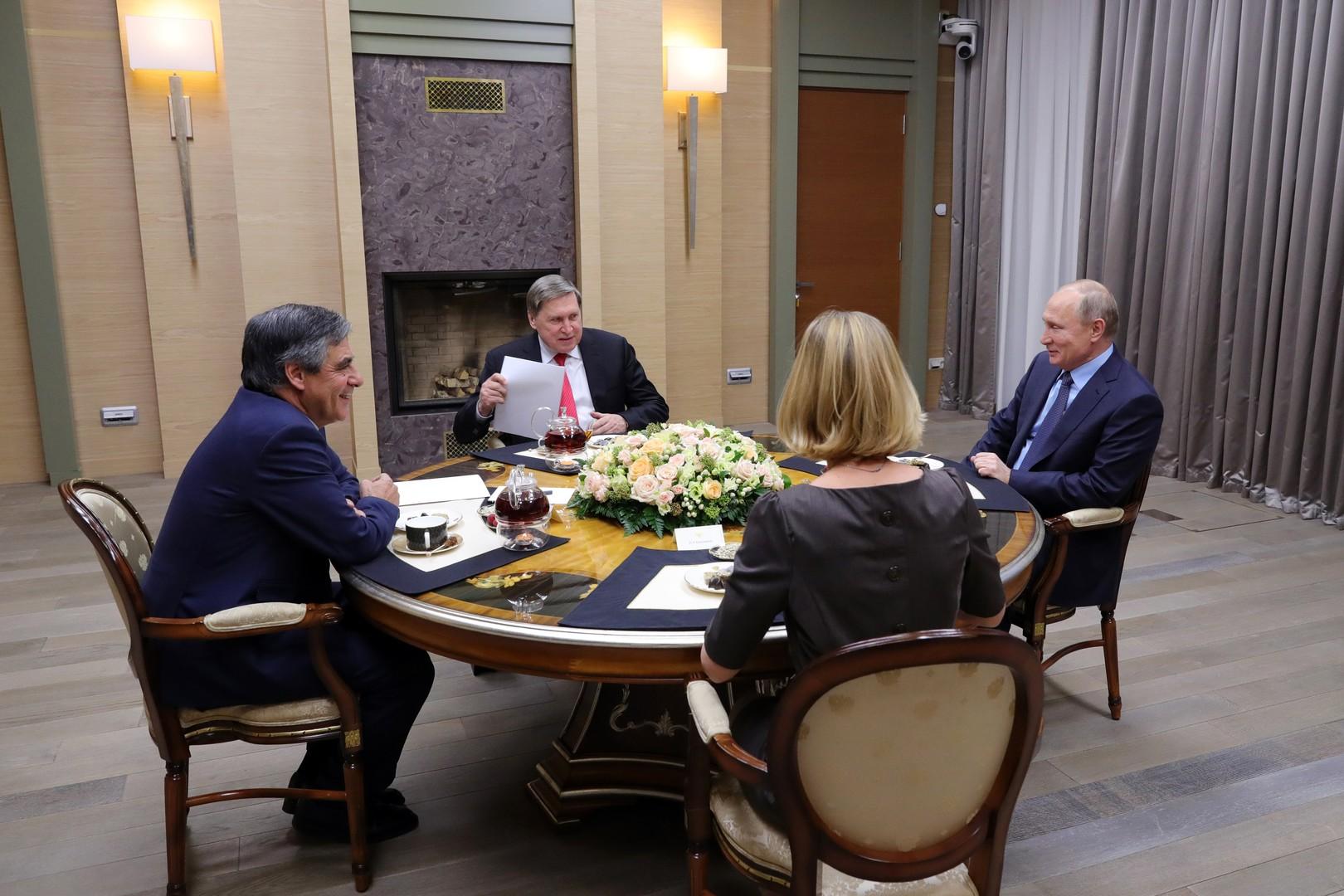 François Fillon reçu en privé par Vladimir Poutine