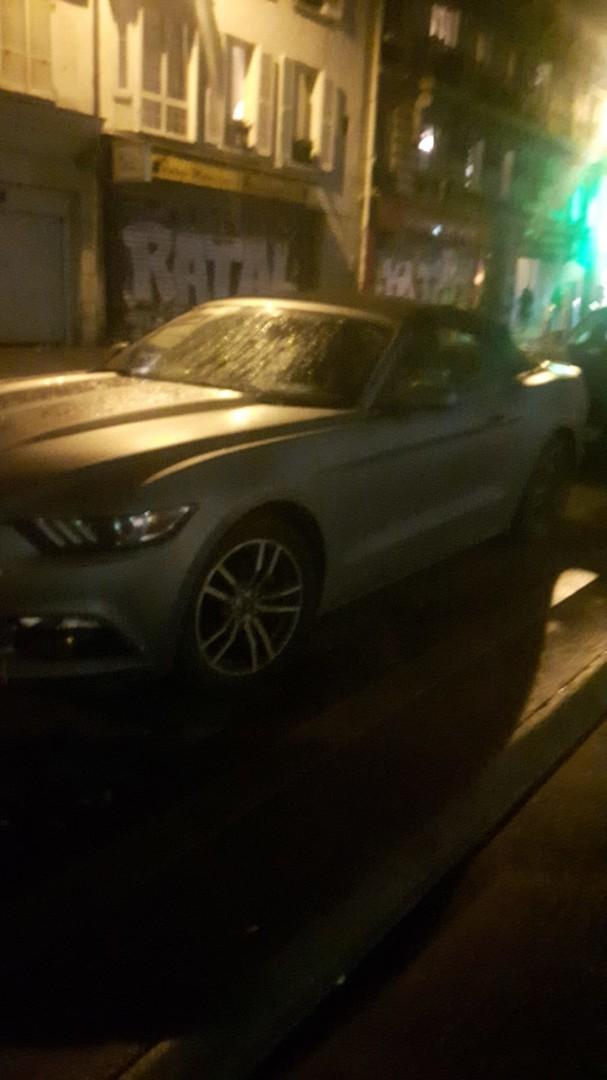 Drôle d'idée : un mot «I love Macron» laissé dans une Mustang en plein acte 4 des Gilets jaunes