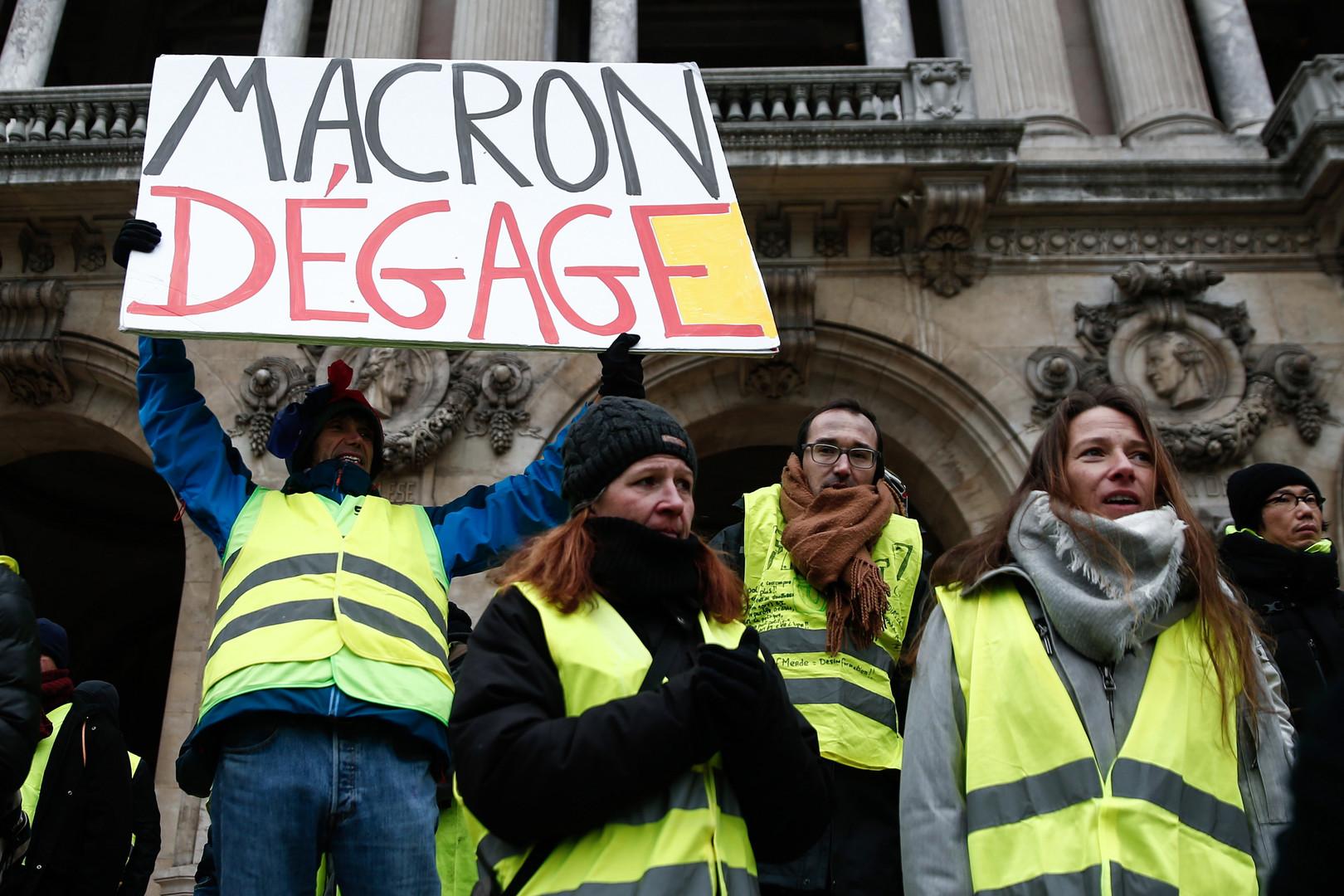 Le manifestant dont le panneau a été retouché par France 3 annonce avoir saisi le CSA