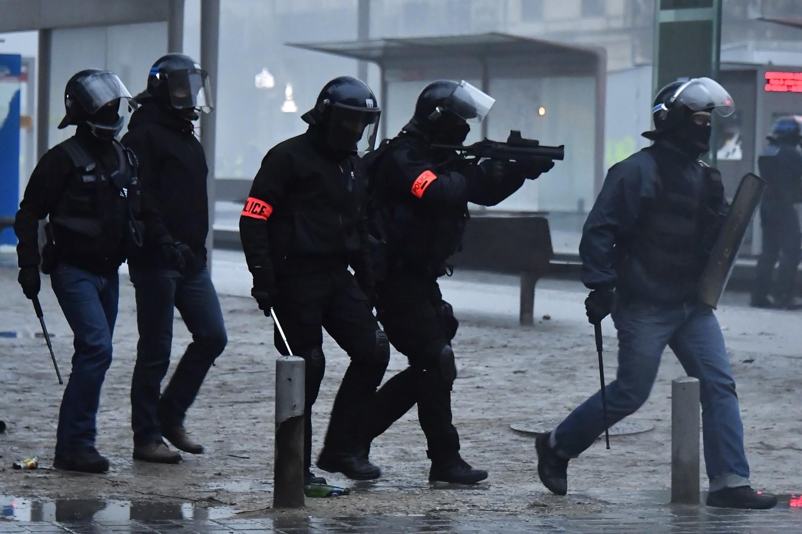 Gilets jaunes : Amnesty International dénonce l'«usage excessif de la force» par la police
