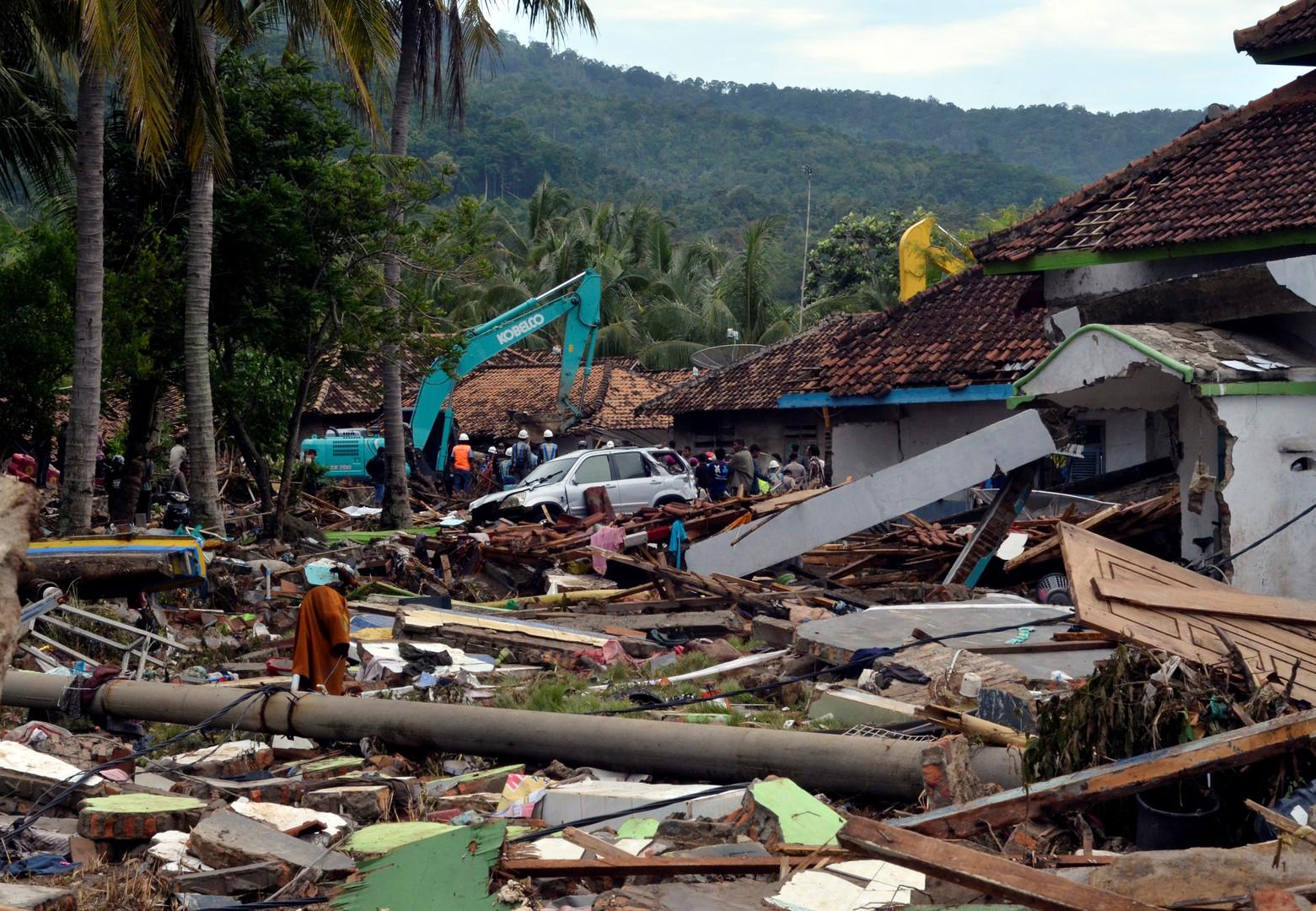 373 morts : le bilan du tsunami en Indonésie s'alourdit et de nouveaux ravages sont à craindre