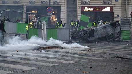 Scènes de chaos à Paris : la manifestation des Gilets jaunes s'achève après les heurts (EN CONTINU)