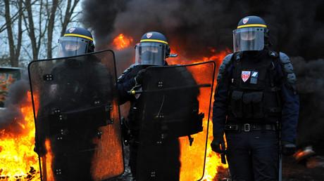 Des CRS dans le nord de la France près de la frontière belge le 19 novembre (image d'illustration).
