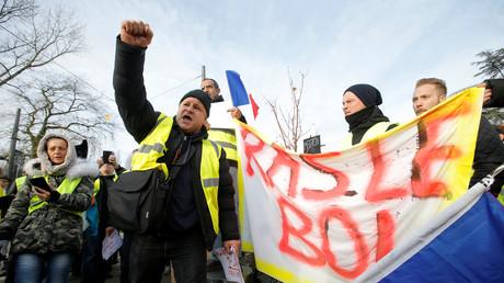 Gilets jaunes d'extrême droite ? Sur BFM, un «expert» prend pour preuve le drapeau... de la Picardie