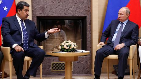 Nicolas Maduro et Vladimir Poutine, le 5 décembre 2018.