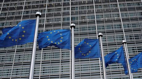 Devant le bâtiment de la Commission européenne à Bruxelles, le 8 mars 2018 (image d'illustration).